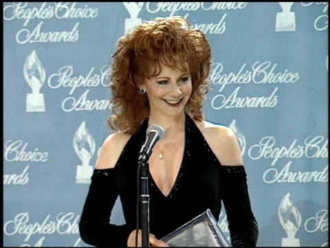 reba mcentire at the 1995 people's choice awards at universal studios in universal city, california on march 5, 1995. - people's choice awards stock videos & royalty-free footage