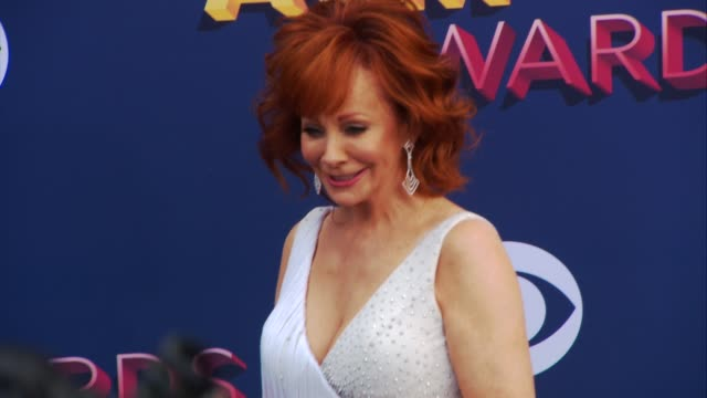 reba mcentire at the 53rd academy of country music awards at mgm grand garden arena on april 15 2018 in las vegas nevada - academy of country music awards stock videos & royalty-free footage