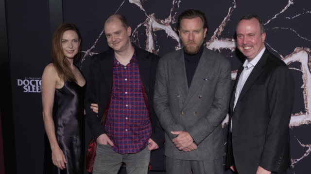 vídeos y material grabado en eventos de stock de rebecca ferguson mike flanagan ewan mcgregor trevor macy at the premiere of warner bros pictures' doctor sleep in los angeles ca - warner bros