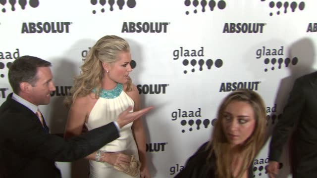 stockvideo's en b-roll-footage met rebecca romijn and jerry o'connell at the 18th annual glaad media awards at the kodak theatre in hollywood california on april 14 2007 - rebecca romijn