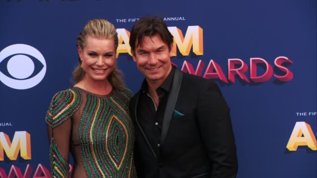 stockvideo's en b-roll-footage met rebecca romijn and jerry o'connell at the 53rd academy of country music awards at mgm grand garden arena on april 15 2018 in las vegas nevada - rebecca romijn