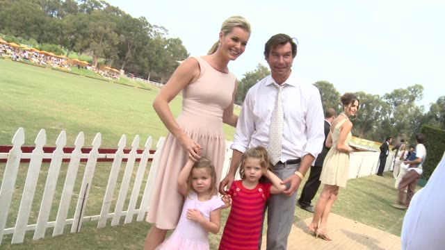 rebecca romijn and jerry o'connell at the third annual veuve clicquot polo classic - los angeles at will rogers state historic park on 10/6/12 in los... - 出来事の発生点の映像素材/bロール