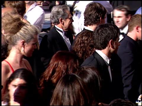 stockvideo's en b-roll-footage met rebecca romijn at the 2000 emmy awards at the shrine auditorium in los angeles california on september 10 2000 - rebecca romijn