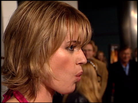 stockvideo's en b-roll-footage met rebecca romijn at the 'femme fatale' premiere at the cinerama dome at arclight cinemas in hollywood california on november 4 2002 - rebecca romijn