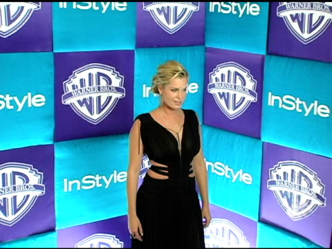 stockvideo's en b-roll-footage met rebecca romijn at the in style magazine and warner brothers studios 6th annual golden globe party at the beverly hilton in beverly hills california... - rebecca romijn