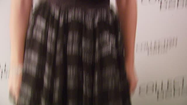 stockvideo's en b-roll-footage met rebecca romijn at the mercedesbenz fall 2007 la fashion week bebe at smashbox studios in culver city california on march 18 2007 - rebecca romijn