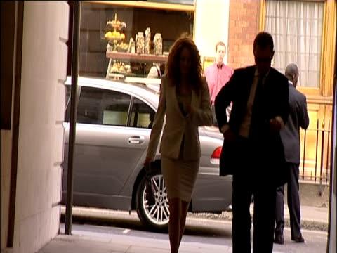 rebekah brooks and andy coulson arrive at a reception london 2005 - レベッカ ブルックス点の映像素材/bロール