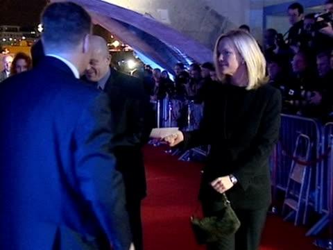 rebekah wade ross kemp and elizabeth murdoch arrive at press complaints commission party london 2001 - レベッカ ブルックス点の映像素材/bロール