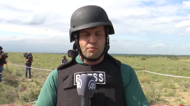 recent footage from journalists reporting from the field on wednesday, oct. 07, shows the moments of rockets fired by azerbaijani defense systems to... - 会長点の映像素材/bロール