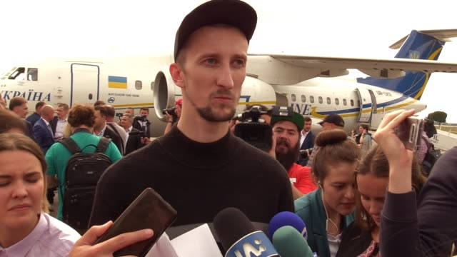 recently exchanged ukrainian olexandr kolchenko who was jailed in russia speaks to media upon arrival during a welcoming ceremony after russiaukraine... - political prisoner stock videos & royalty-free footage