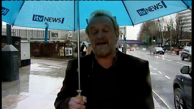 antony worrall thompson forced to close four restaurants; england: london: ext / rain antony worrall thompson 2-way interview sot - アントニー ウォラル トンプソン点の映像素材/bロール