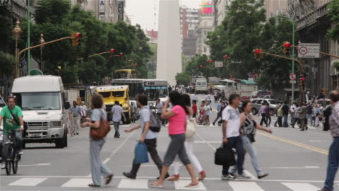 ws, ha recoleta district in buenos aires with the obelisk in background / buenos aires, argentina - south america 個影片檔及 b 捲影像
