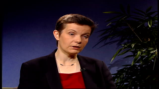 recommends regular and more sensitive scans for young women with high risk of breast cancer; england: london: int andrea sutcliffe interview sot -... - torso umano video stock e b–roll
