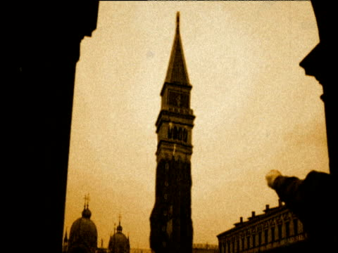 Reconstruction of Campanile di San Marco collapsing in 1902 Venice