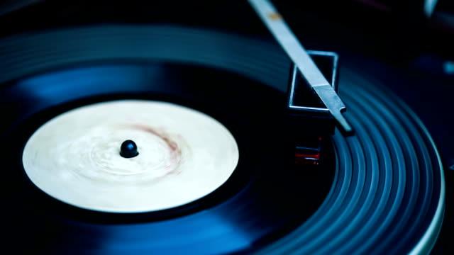 vidéos et rushes de dossier de jouer - disque vinyle