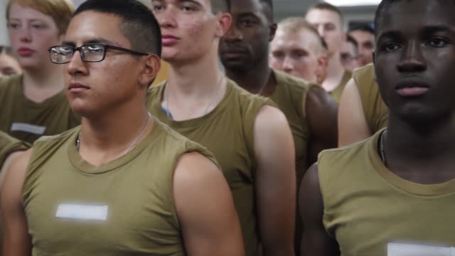 stockvideo's en b-roll-footage met recruits receive vaccinations at uss red rover in-processing medical and dental facility at recruit training command . about 38,000 to 40,000... - military recruit