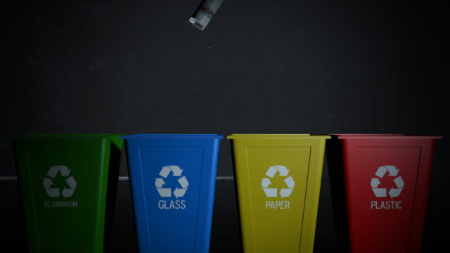 vídeos de stock, filmes e b-roll de lixeira reciclagem - contéiner de plástico