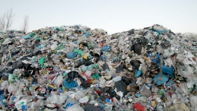 stockvideo's en b-roll-footage met recycling center - afvalverwerking
