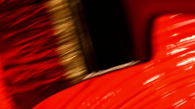 vídeos y material grabado en eventos de stock de pintura acrílica roja con pinceladas - acrílico