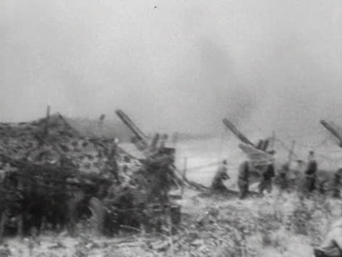 red army field gun crew firing at enemy at wwii eastern front in 1944 - 1944 bildbanksvideor och videomaterial från bakom kulisserna