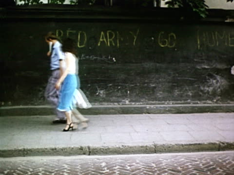 MS TU Red Army go home written on a wall AUDIO / Vilnius Lithuania