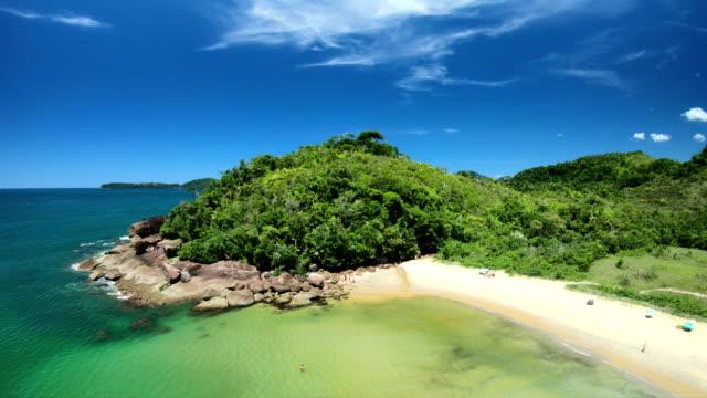 red beach, ubatuba-brazil - atlantik stock-videos und b-roll-filmmaterial
