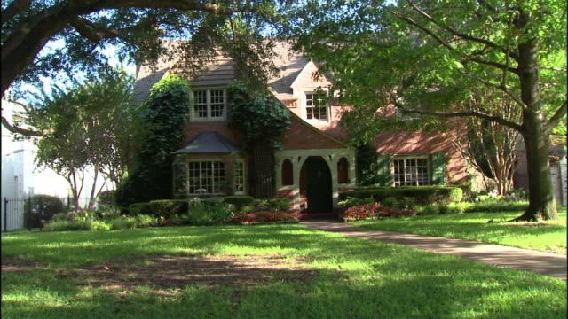 MS, Red brick suburban house, Dallas, Texas, USA