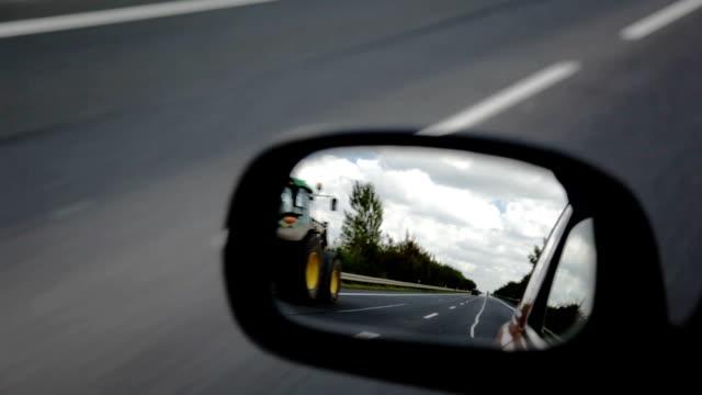 vídeos y material grabado en eventos de stock de rojo de espejo lateral - retrovisor exterior