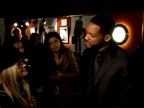 vídeos de stock, filmes e b-roll de red carpet interviews at 'pursuit of happyness' premiere will smith speaking to press sot on jaden's performance and being a scenestealer / he has a... - savory food