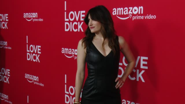 """red carpet premiere of amazon's forthcoming series """"i love dick"""" at linwood dunn theater on april 20, 2017 in los angeles, california. - キャスリン ハーン点の映像素材/bロール"""