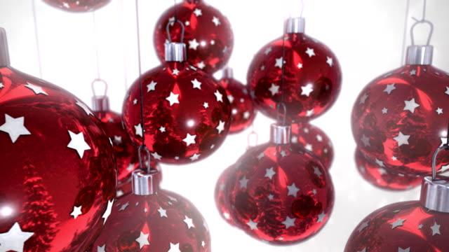 Red Christmas Ball auf weißem Hintergrund, nahtlose loop