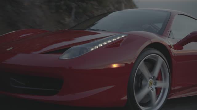 vídeos y material grabado en eventos de stock de red ferrari - coche deportivo