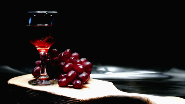 Rote Traube und Wein
