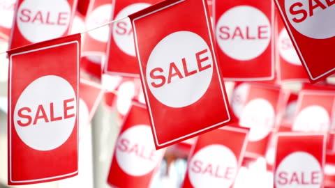 vídeos y material grabado en eventos de stock de colgando etiquetas venta rojo - rebajas