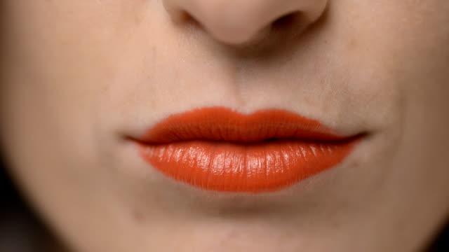 Rote Lippen Küssen