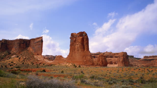 T/L WS Red rock formations at Arches National Park / Moab, Utah, USA