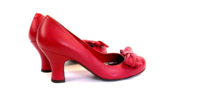 scarpe rossa - calzature video stock e b–roll