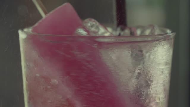 レッドのソーダ - ヒート点の映像素材/bロール