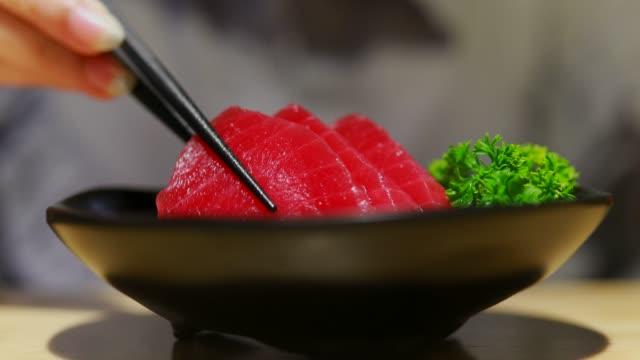 red tuna sashimi - tuna seafood stock videos & royalty-free footage