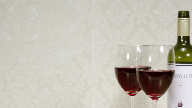 red wine and glasses - tre oggetti video stock e b–roll