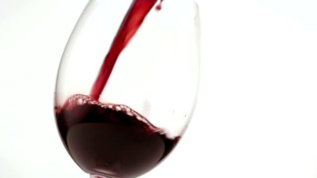 vídeos y material grabado en eventos de stock de vino tinto en vidrio - vino tinto