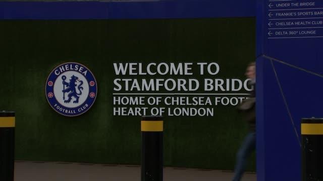 redevelopment of chelsea's stamford bridge stadium put on hold england london chelsea ext gvs stamford bridge stadium and 'chelsea football club'... - チェルシーfc点の映像素材/bロール