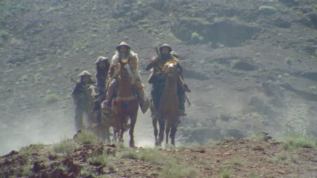 ha ws la reenactment crusaders riding on horseback through valley / iran - reenactment stock videos & royalty-free footage