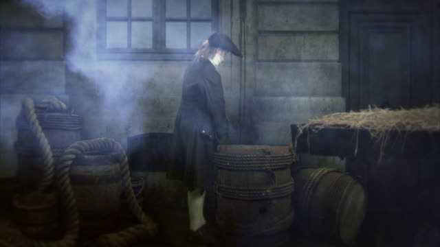 vidéos et rushes de reenactment depicting the filthy, busy streets of 18th century paris. - reconstitution