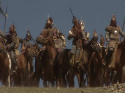 re-enactment of genghis khan confronting enemy army and leading his troops into battle - reenactment stock videos & royalty-free footage