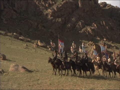 re-enactment of genghis khan's army facing heavily armed army of chinese mercenaries - reenactment stock videos & royalty-free footage