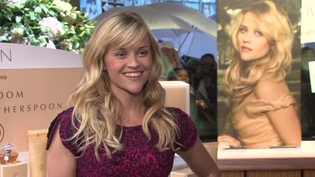 Reese Witherspoon And Avon Celebrate The Launch Of Her New Fragrance ÔIn Bloom By Reese WitherspoonÕ New York NY 10/28/09