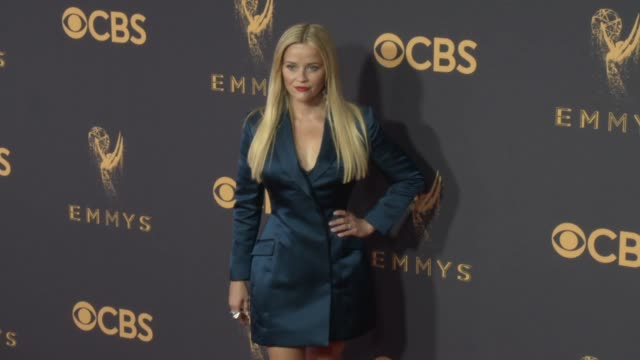 reese witherspoon at the 69th annual primetime emmy awards at microsoft theater on september 17 2017 in los angeles california - premio emmy video stock e b–roll