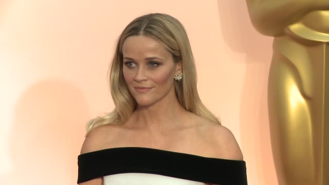 reese witherspoon at the 87th annual academy awards - arrivals at dolby theatre on february 22, 2015 in hollywood, california. - academy awards stock-videos und b-roll-filmmaterial