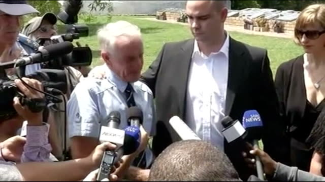 reeva steenkamp death oscar pistorius bail hearing day 1 mike steenkamp speaking to press sot woman chanting during protest by women's league of anc... - オスカー・ピストリウス点の映像素材/bロール